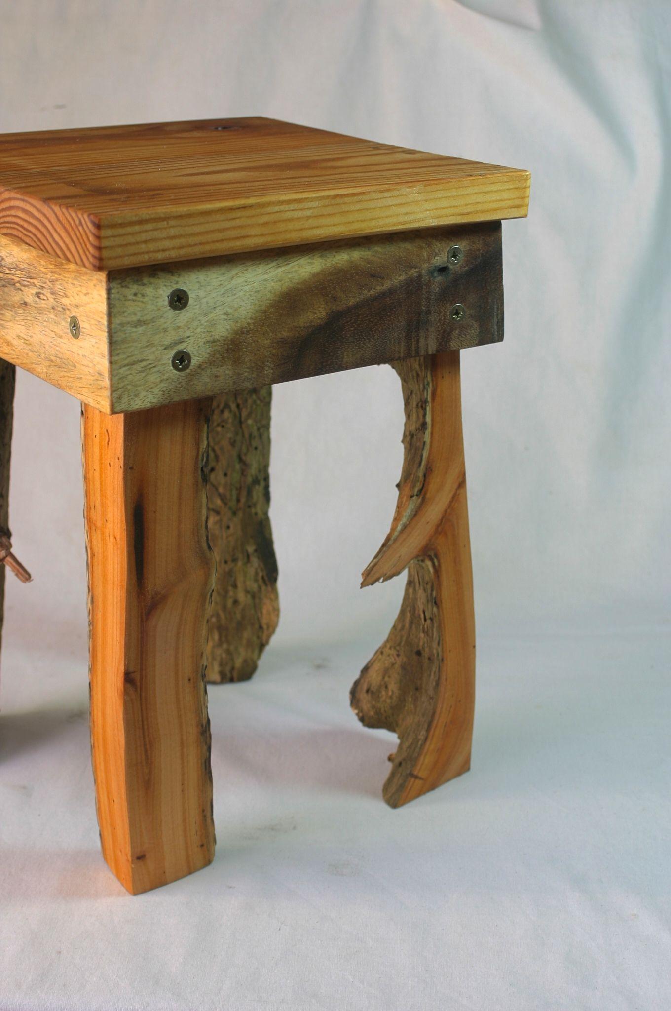 kleiner hocker aus fundst cken upcycling altholz wildholz. Black Bedroom Furniture Sets. Home Design Ideas